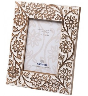 Beautiful Large Fair Trade Mango Wood Daisy Design Picture Frame